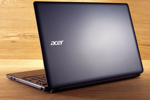 Laptop Acer Aspire E1-572